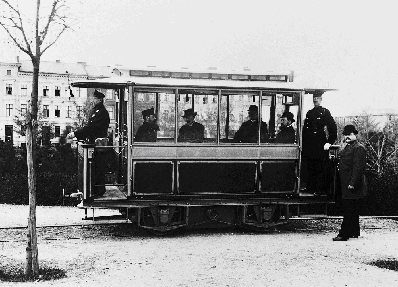 Electric tramway