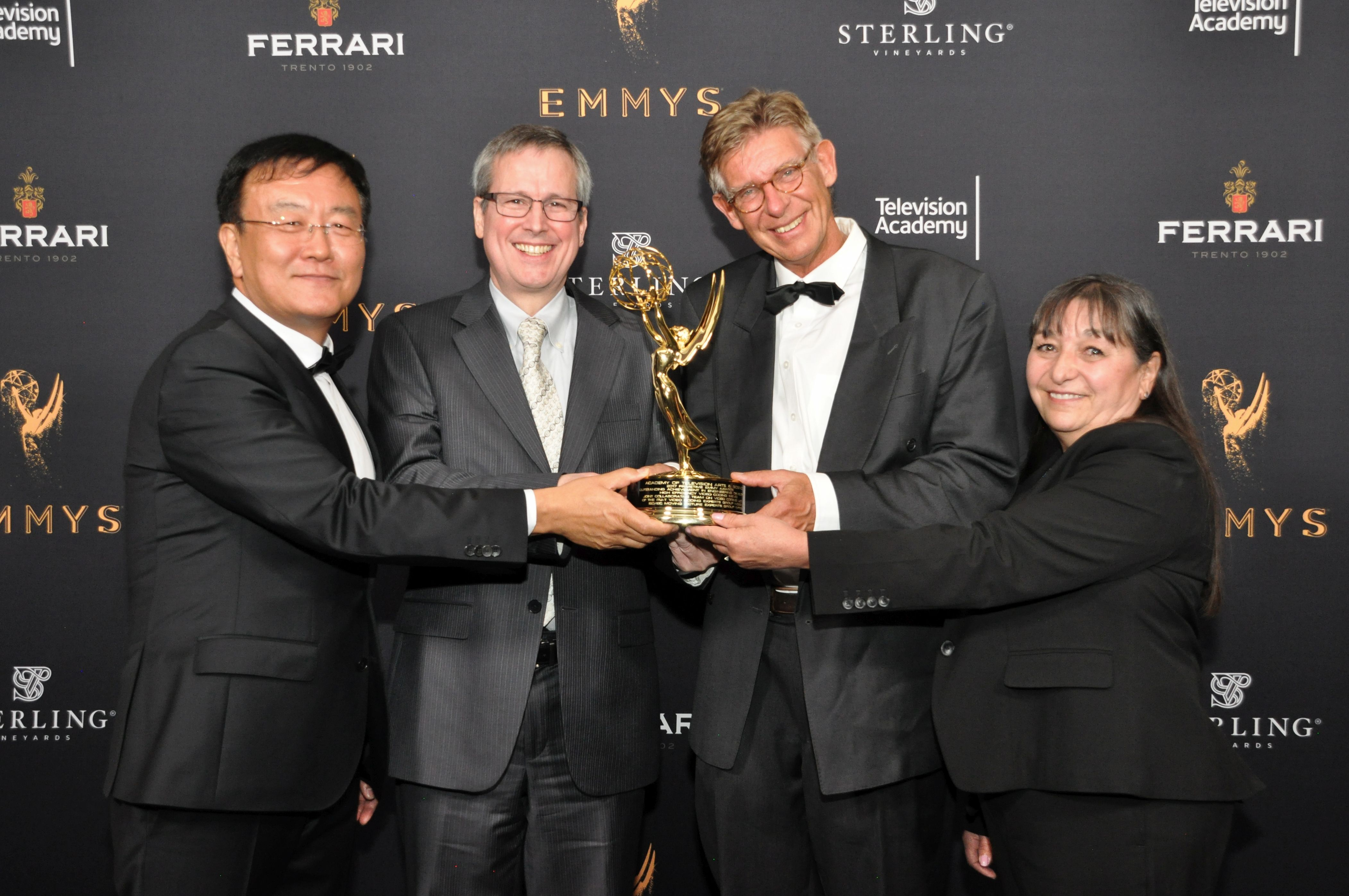 Professor Ohm gewinnt Engineering Emmy Award